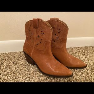 Lucky Brand cowgirl leather boots